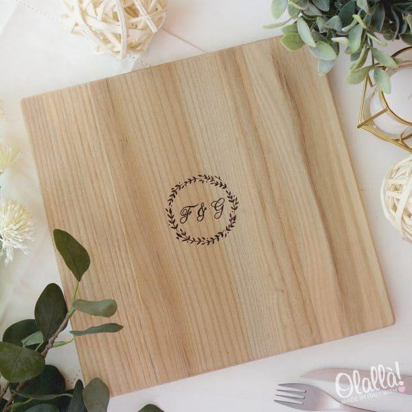 tagliere-legno-quadrato-iniziali-regalo-personalizzato