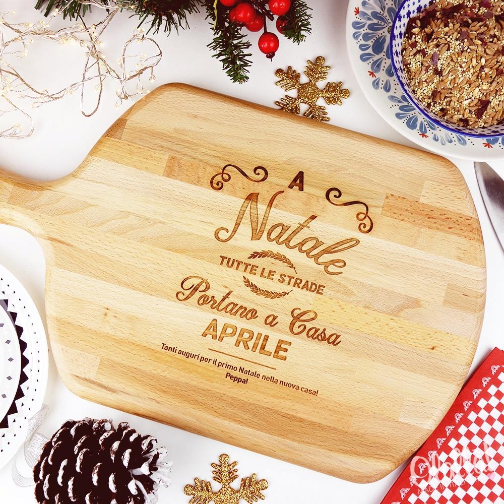 Idee Regalo Natale Per La Famiglia.Tagliere Personalizzato A Natale Tutte Le Strade Portano A Casa Idea Regalo Per La Famiglia Olalla