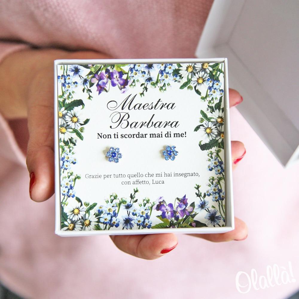 orecchini-blu-fiorellino-regalo-personalizzato-maestra1
