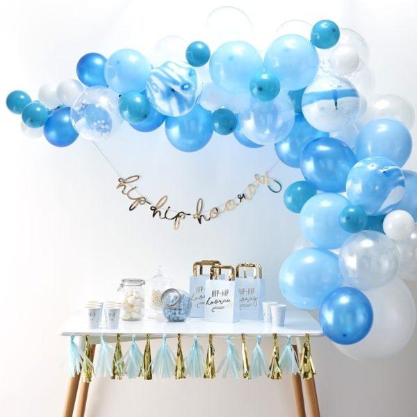 arco-palloncini-azzurri-battesimo-primo-compleanno