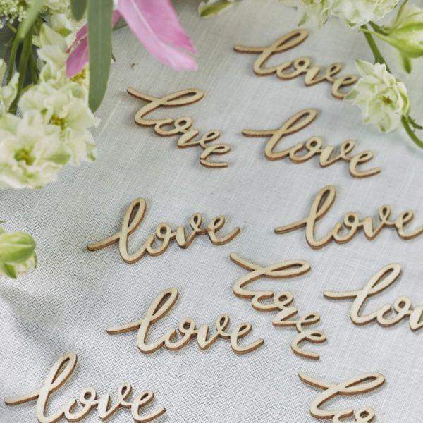 Decorazione-tavola-matrimonio-love
