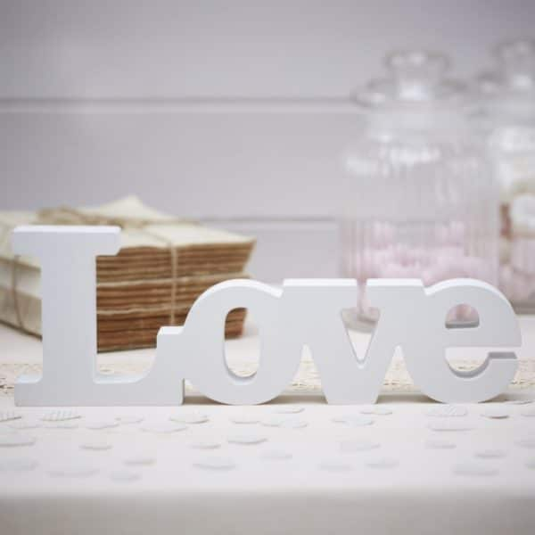 Scritta-decorativa-love-matrimon