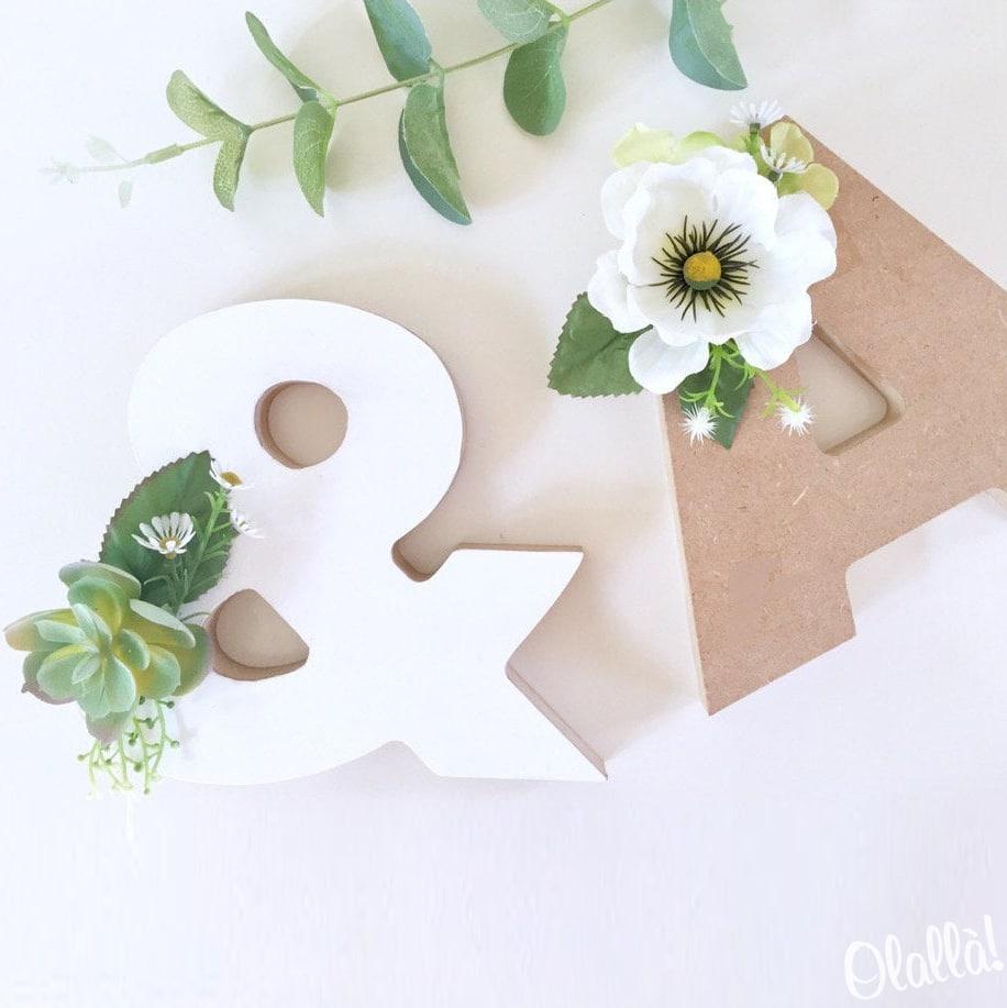 Fiori Bianchi 11 Lettere.Lettere In Legno Con Fiori Personalizzabili Decorazioni