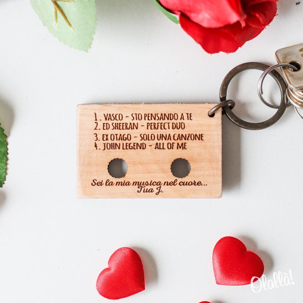 portachiavi-legno-personalizzato-musica-canzoni-amore-01