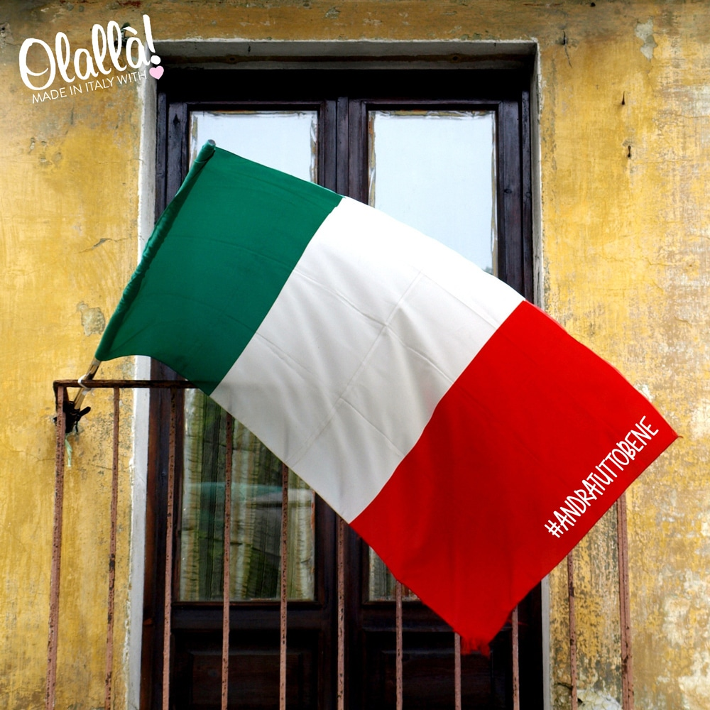 bandiera-italiana-andra-tutto-bene