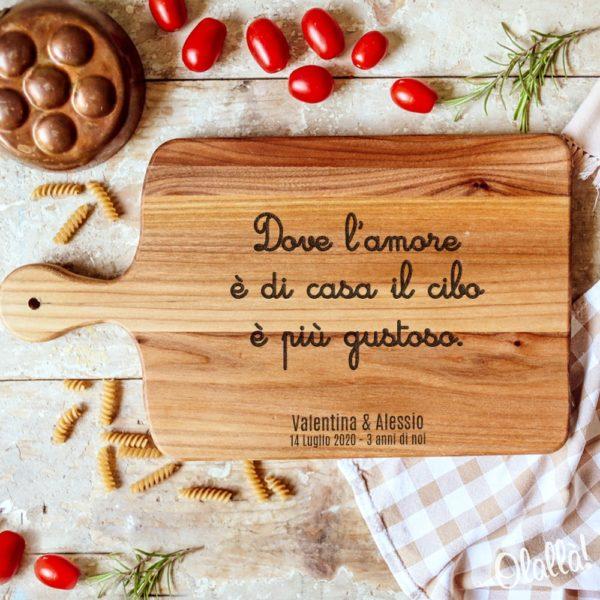 tagliere-legno-personalizzato-frase-corsiva-amorew