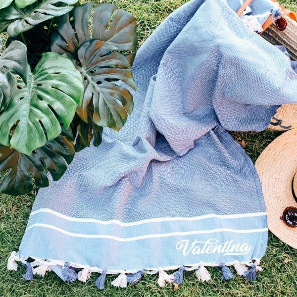 telo-mare-futa-personalizzato-azzurro-nome-nappine