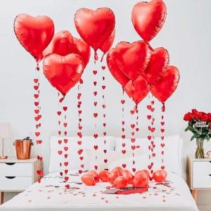 cuori-palloncini-decorazione-amore-letto