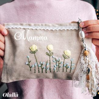 pochette-floreale-personalizzata-nome-decoro-margherite