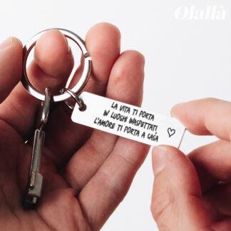 portachiavi-acciaio-personalizzato-frase-stampatello-cuoricino