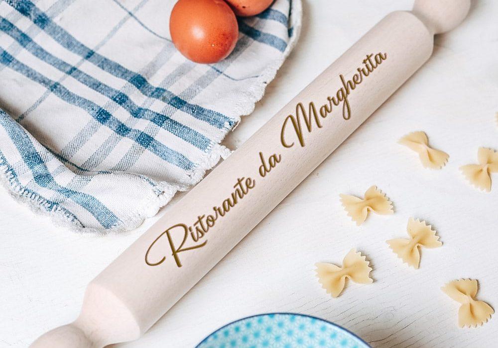 mattarello-legno-idea-regalo-personalizzata-ristorante